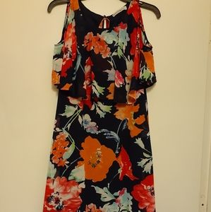Dresses & Skirts - Signature collection floral dress